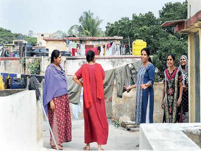 Nighties, petticoats, women's underwear go missing overnight from an apartment complex in Bengaluru