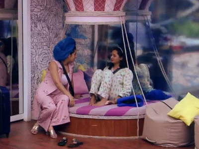 Bigg Boss 13: Rashami Desai turns well-wisher; advises Shehnaaz Gill to think about Sidharth Shukla after the show gets over