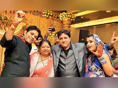 Grandmum finds a match for Ankit Tiwari on a train; singer gets engaged to Pallavi Shukla