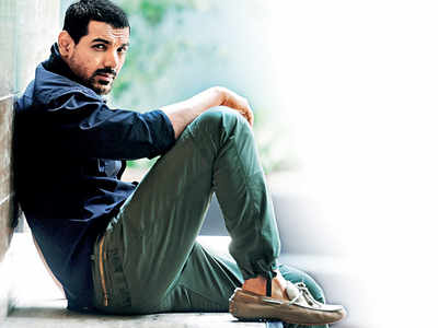 Pagalpanti: John Abraham is out of action for two weeks