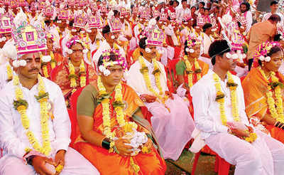 Mass marriages are knot for everybody