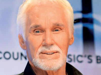 Singer, actor, 'The Gambler': Kenny Rogers dies at 81