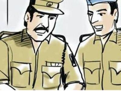 Bengaluru police constable gets a nasty shock as criminal bites him to escape