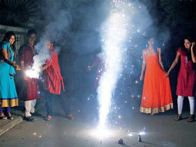 Ahmedabad police held maximum people from zone IV for  violating deadline for bursting firecrackers
