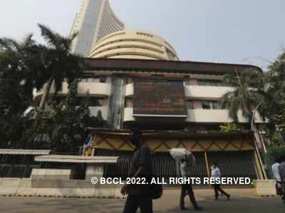 Equities in red, Sensex falls 700 points