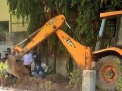 I-T officer kills wife, buries her in 6-foot trench