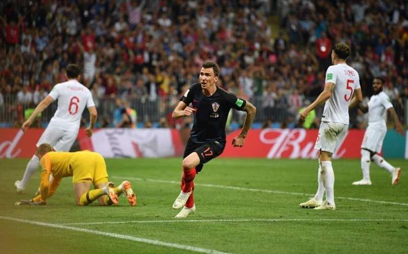 Croatia scores a 2-1 against England