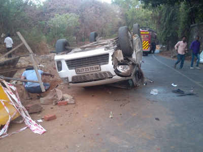 Tragic incident: 31-year-old man killed as car falls in pit dug  in Thane