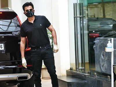 Anil Kapoor spotted outside dubbing studio