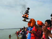 Ganga Dussehra in Prayagraj: Social distancing norms flouted at Sangam Ghat