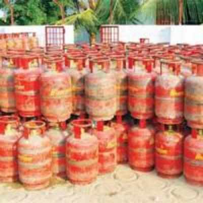 Price of non-subsidised LPG cylinder hiked to Rs 922