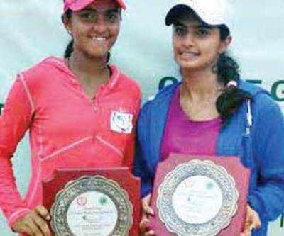 Zeel, Devanshi lose in final