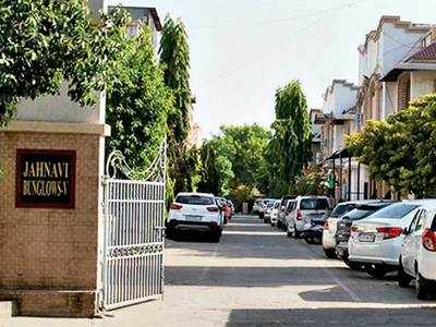 Doc returns from Mumbai to find bungalow burgled
