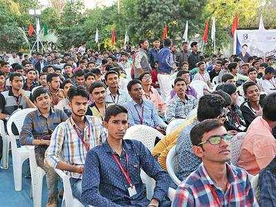 '75% students do not want semester system'