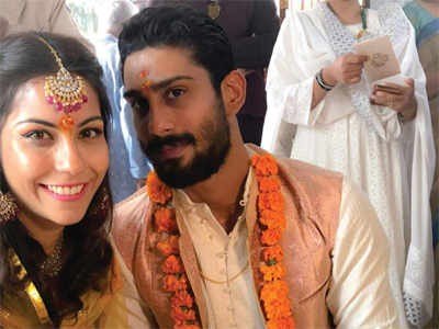 Prateik Babbar, Sanya Sagar engaged