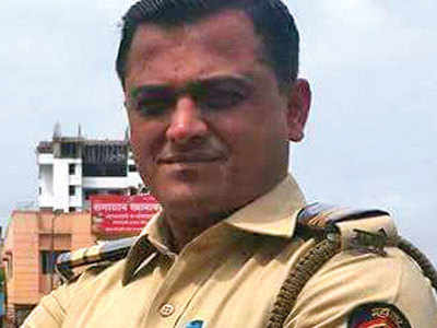 Constable barges into man's house looking for his wife, booked