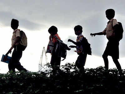 Education min seeks opinions on reopening of schools in city