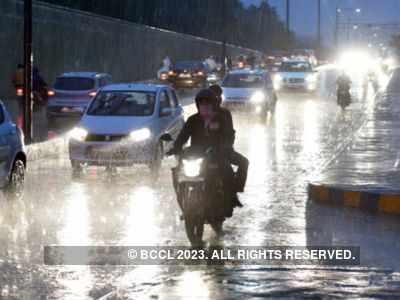 Heavy rains lash six districts of Gujarat; one feared dead in Vadodara