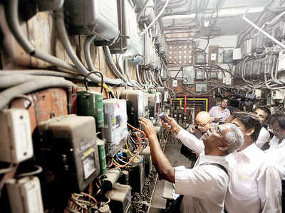 MSEDCL's line-snipping spree costs defaulters supply to their power