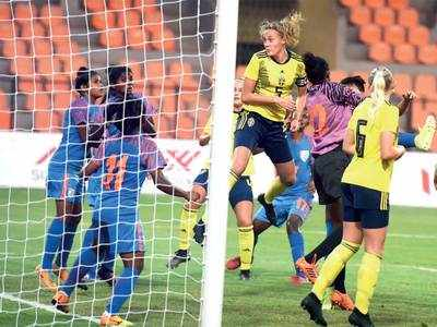 Sweden U-17 stamp their authority over India