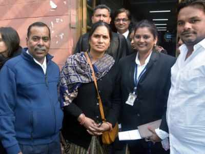 Nirbhaya gangrape and murder case: Delhi HC dismisses Nirbhaya convict's plea challenging death warrant, says there is no error in order
