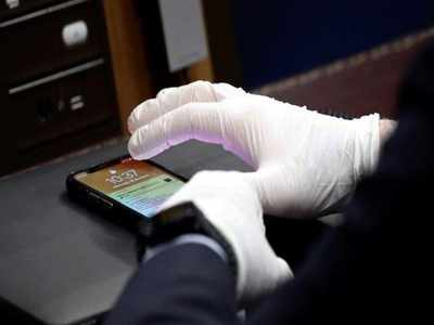 Mobile phones potential carrier of coronavirus, hospitals should restrict their use: Doctors