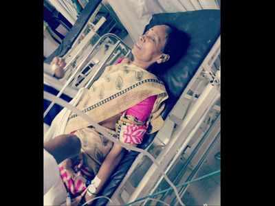 Woman falls off running train after fight with robber, suffers minor injuries