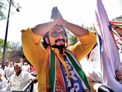 Shiv Sainiks accuse NCP's Shirur candidate Dr Amol Kolhe of lying
