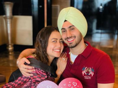Neha Kakkar shares photos of Rohanpreet Singh's marriage proposal