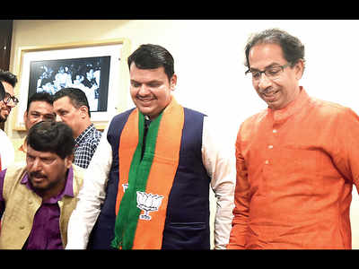 Fadnavis, Uddhav: The 'chanakyas' in state