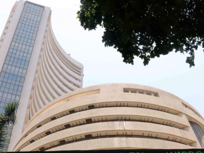 Sensex, Nifty open on a negative note amid weak global cues