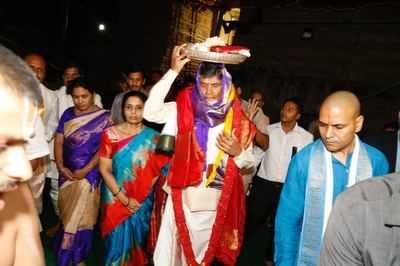 Andhra Pradesh: Four dead as hailstorm wrecks Rama Navami celebrations at Vontimitta Temple