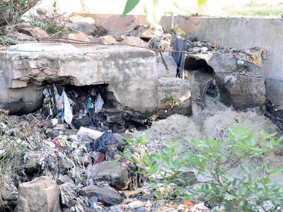 BWSSB lets sewage pipe into open drain at Saptagiri Layout