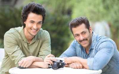 Salman Khan to launch brother-in-law Aayush Sharma in a romantic movie