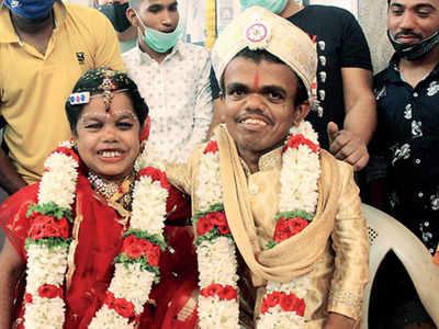 Bengaluru: Match made in heaven, blossomed in a café