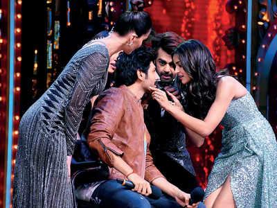 Kartik Aaryan offers his moustache to birthday girl Ananya Panday