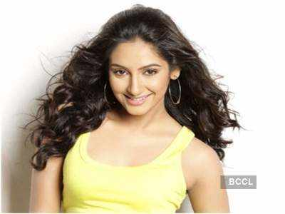 #SandalwoodDrugScandal: Ragini Dwivedi being interrogated at CCB office