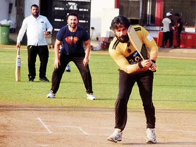 Spotted: Suniel Shetty playing cricket ahead of a charity cricket match