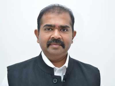 Former NCP legislator Narendra Patil joins Shiv Sena