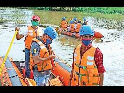 PCMC trains youngsters to contain monsoon floods