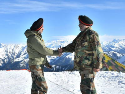 Northern Army commander briefs Lieutenant Governor about security situation in Jammu and Kashmir