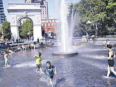 Heat wave grips NYC, cooling centres open
