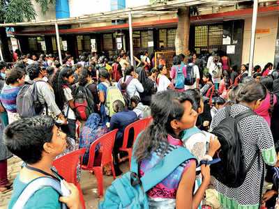 Are pass-holders given the pass in BMTC buses?