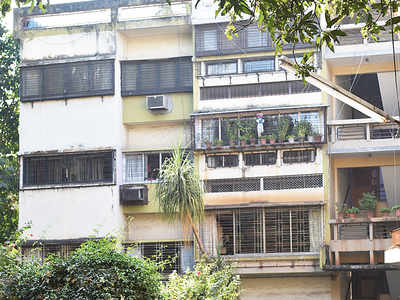 Woman, daughter commit suicide in Vile Parle flat