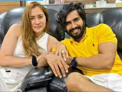 Jwala Gutta and Vishnu Vishal get engaged on her birthday