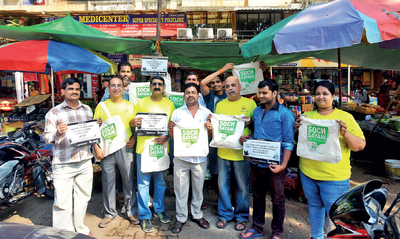 Residents, hawkers unite to ban plastic bags in Kandivali from November 1