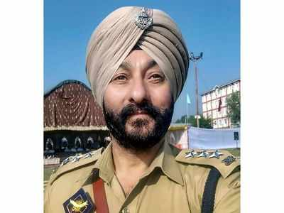 Suspended Jammu and Kashmir DSP Davinder Singh granted bail in terror case after police fails to file charge sheet