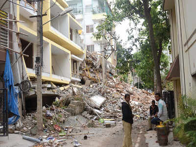 After collapse, Palike's waste dilemma
