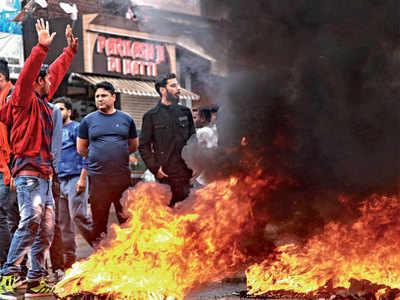 Slain BJP leader's security men detained, SIT set up