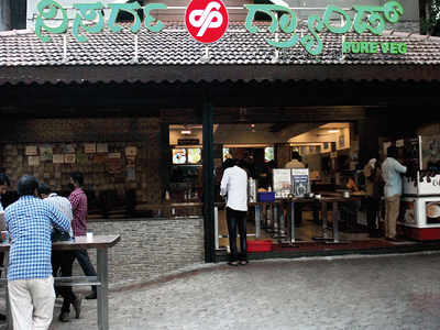 Docs chalk out an SOP for eateries